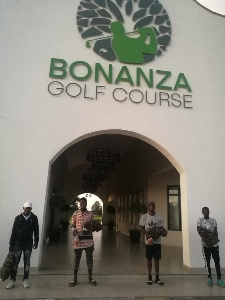 covid-19, coronavirus, bonanza golf course, golf, caddies, members, donations